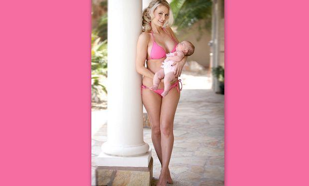 Χόλυ Μάντισον: H πρώην σύντροφος του Χιου Χέφνερ, τρεις μήνες μέτα την γέννηση της κόρης της! (Φωτογραφίες)