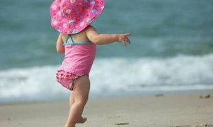 Πού θα πάω για μπάνιο με το παιδί μου; Δείτε αναλυτικά τις κατάλληλες και ακατάλληλες παραλίες της Αττικής!