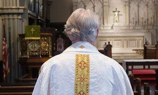 Στο φως τα απόρρητα αρχεία της καθολικής εκκλησίας για τη σεξουαλική κακοποίηση παιδιών από ιερείς