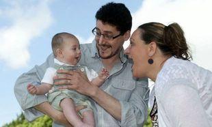Έμβρυο έπαθε εγκεφαλικό στη μήτρα της μητέρας του και είναι απόλυτα καλά!