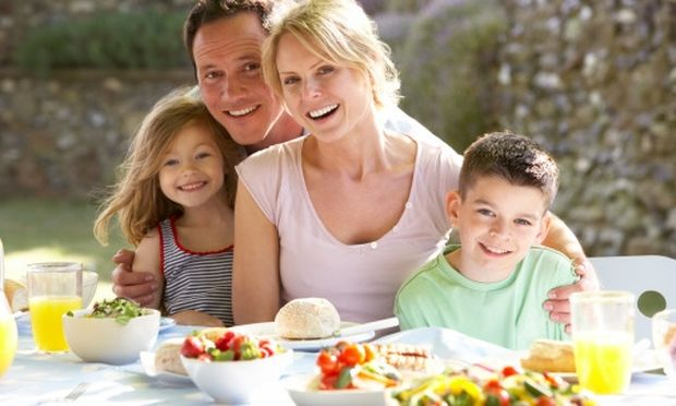 4 + 1 tips για σωστή διατροφή από… κούνια!