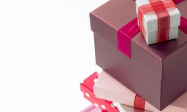 Φτιάξτε μόνες σας κουτιά για δώρα!