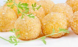 Συνταγή για νόστιμες και τραγανές τυροκροκέτες!