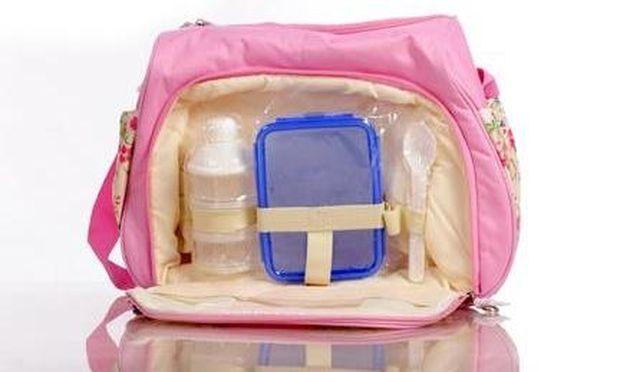 Μωρουδιακή τσάντα: Ολα όσα πρέπει να περιέχει