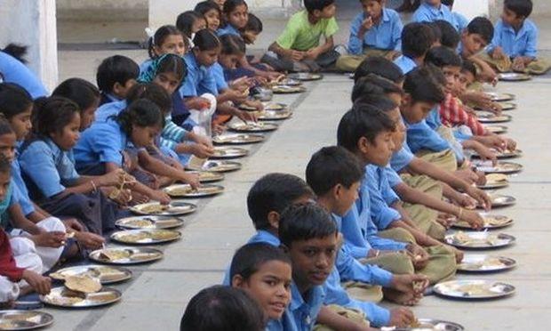 Τραγωδία στην Ινδία! 20 παιδιά έχασαν τη ζωή τους από δηλητηρίαση!