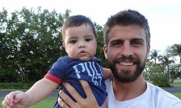 Δείτε τον χαζομπαμπά Pique να παίζει με τον Milan (photos)!
