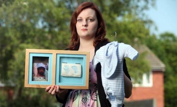 Έμεινε μαζί με το μωρό της για τρεις μέρες αφότου πέθανε!