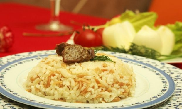 Συνταγή για λαχταριστό χοιρινό με ρύζι και άρωμα λεμονιού!