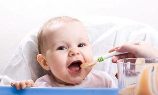 «Πότε είναι η κατάλληλη περίοδος για την δοκιμή των πρώτων τροφών από το μωρό μας;» από τη διατροφολόγο Ευσταθία Παπαδά