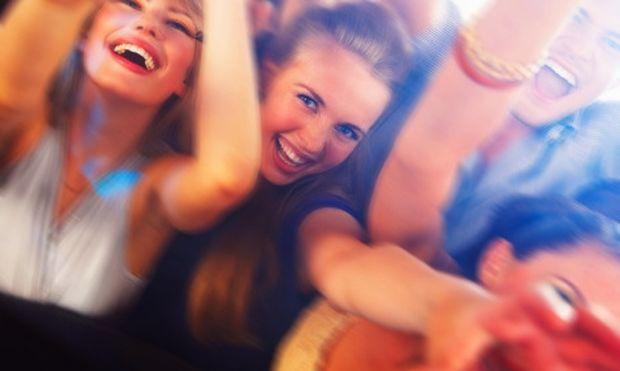Έρευνα: Αυξημένος ο κίνδυνος καρκίνου σε έφηβες που καταναλώνουν αλκοόλ!