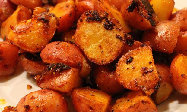 Συνταγή για πατάτες μυρωδάτες με πάπρικα!