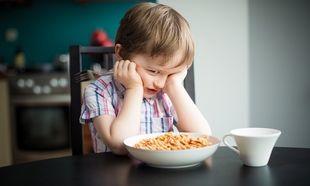 «Το παιδί μου αρνείται να καταναλώσει ποικιλία τροφών. Τι να κάνω;». Από τη διατροφολόγο Ευσταθία Παπαδά