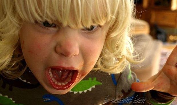 Πώς να μάθετε το παιδί σας να μην γκρινιάζει!