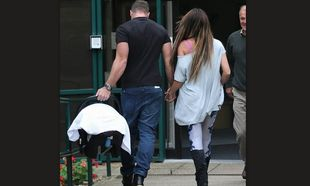 Κέιτι Πράις: Οι επιπλοκές στην εγκυμοσύνη, η πρόωρη γέννα και τα αναπνευστικά προβλήματα του μωρού