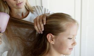 Πώς να περιποιηθώ τα μαλλιά της κόρης μου που είναι συνέχεια μπερδεμένα;