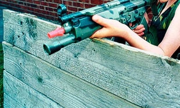 Απίστευτο: Αγόρι 5 ετών σκότωσε κατά λάθος την αδελφή του, με το όπλο που του έκαναν δώρο!