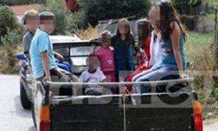 Ηλεία: Μαθητές πηγαίνουν σχολείο πάνω σε καρότσες (βίντεο)