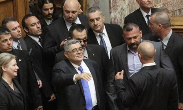 Συνελήφθησαν ο Νίκος Μιχαλολιάκος και ο Ηλίας Κασιδιάρης