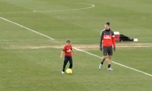 Ο Μπέκαμ και οι γιοι του, παίζουν μπάλα με Ιμπραϊμοβιτς και Σίλβα (βίντεο)