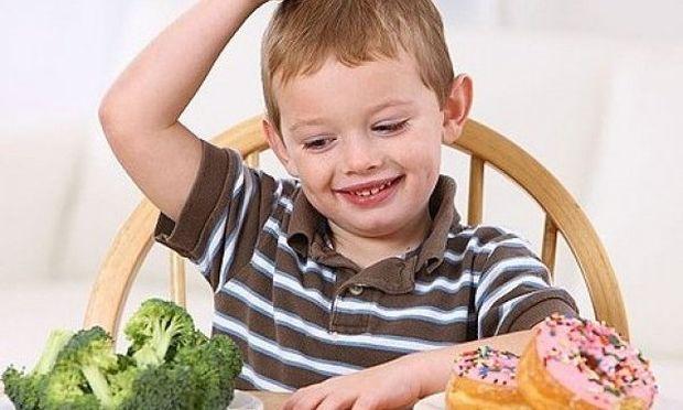 Τα βασικότερα λάθη που κάνουν οι μαμάδες στη διατροφή των παιδιών τους