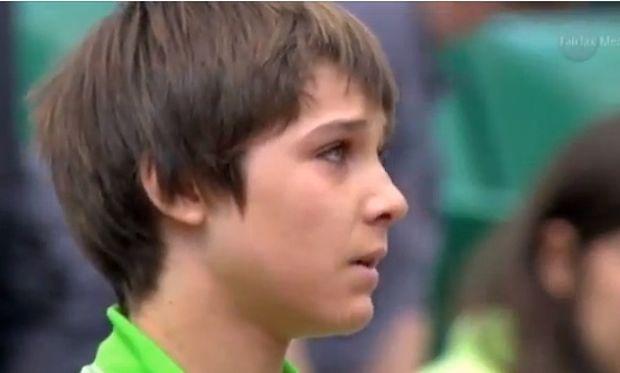 Παίκτης τένις έχασε βαθμό από παιδί που μπήκε στο γήπεδο (βίντεο)
