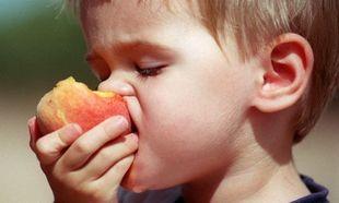 Παγκόσμια ημέρα διατροφής! Γιατί πρέπει να δίνουμε φρούτα στα παιδιά μας;