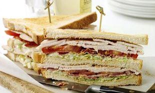 Συνταγή για το πιο νόστιμο κλαμπ σάντουιτς με κοτόπουλο!