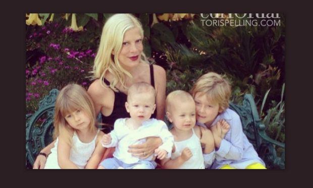 Η Τόρι Σπέλινγκ μιλάει για τις σοβαρές επιπλοκές της τελευταίας εγκυμοσύνης της και τις ώρες αγωνίας που έζησε