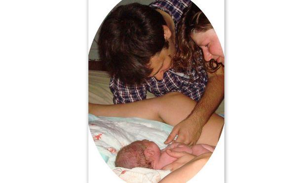 Η Κριστίνα και ο Ριτς μοιράζονται την ιστορία γέννησης του μωρού τους στο σπίτι!