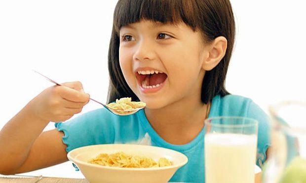 Γιατί οι έφηβοι δεν πρέπει ποτέ να παραλείπουν το πρωινό γεύμα τους;