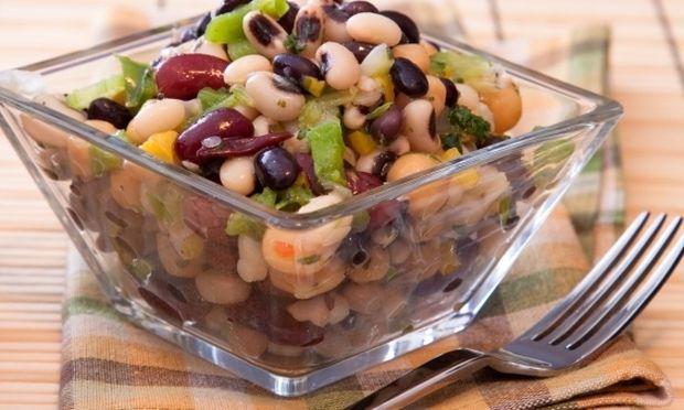 Συνταγή για υπέροχη σαλάτα με μαυρομάτικα!