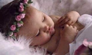 Ερευνα: Από την κοιλιά της μητέρας τα έμβρυα ακούν το νανούρισμα!