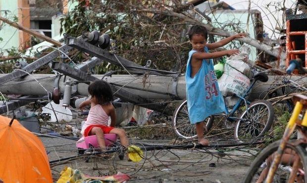 Βοηθήστε τα παιδιά που επλήγησαν από τον καταστροφικό τυφώνα στις Φιλιππίνες, μέσω της Unicef