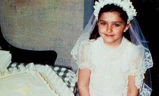 Ποια διάσημη σταρ έβαλε πρώτη φορά νυφικό στα 6 της και μετά από 26 χρόνια που το φόρεσε ξεσήκωσε  τον πλανήτη;