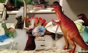 Οι δεινόσαυροι ζωντανεύουν, όταν τα παιδιά  κοιμούνται! Δείτε τις φωτογραφίες!