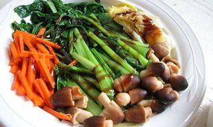Συνταγή για τέσσερις λαχταριστές σάλτσες για βραστά λαχανικά