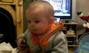 Υπάρχει μωρό που να κλαίει…χαριτωμένα; Κι όμως υπάρχει! Δείτε το απίστευτο βίντεο!
