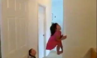 Τι γίνεται όταν τα παιδιά μένουν στο σπίτι με τον μπαμπά; (βίντεο)