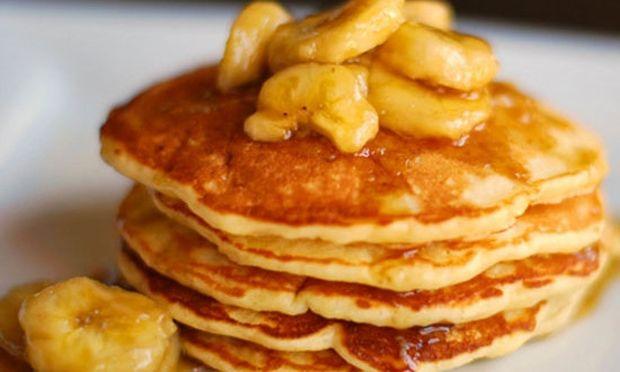 Συνταγή για εύκολες τηγανίτες με μπανάνα