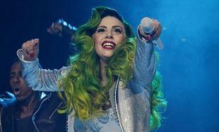 Ποιο διάσημο πιτσιρίκι τρελαίνεται για την Lady Gaga; (εικόνες)