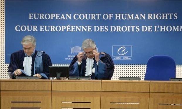 Ευρωπαϊκό Δικαστήριο: Διάκριση η ονοματοδοσία παιδιών με το επίθετο του πατέρα