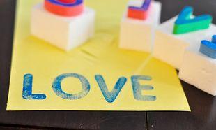 Διδάξτε στα παιδιά σας την αλφάβητο με σφραγίδες που θα δημιουργήσετε μόνοι σας (εικόνες)