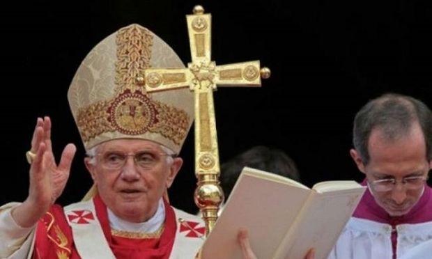 Σχεδόν 400 παιδόφιλους ιερείς έχει «ξηλώσει» ο Πάπας Βενέδικτος