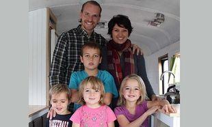 Πενία τέχνας κατεργάζεται! Εξαμελής οικογένεια μετέτρεψε σχολικό σε πανέμορφο σπιτάκι (εικόνες+βίντεο)