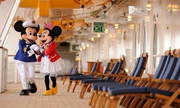 Το πλοίο της Walt Disney πιάνει ξανά λιμάνι... στον Πειραιά!