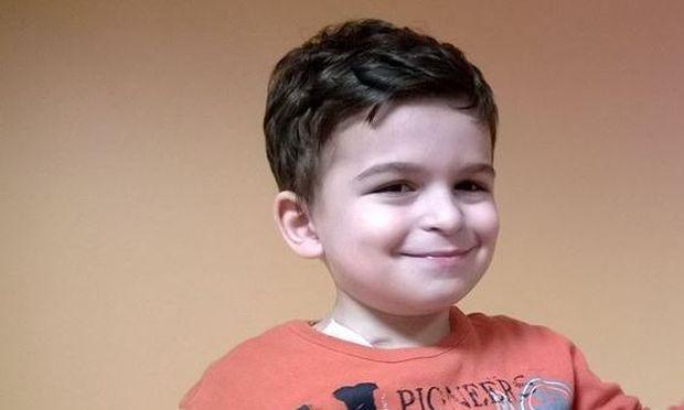 Ο μικρός Παναγιώτης που πάσχει από νευροβλάστωμα χρειάζεται τη βοήθειά μας (εικόνες)