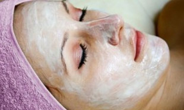 Καταπολεμήστε τις ευρυαγγείες με φυσική σπιτική μάσκα!