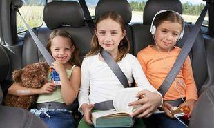 Ζώνες και παιδικά καθισματάκια μείωσαν κατά 43% τους θανάτους παιδιών από τροχαία στις ΗΠΑ