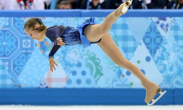 Πατινάζ: Η 15χρονη αθλήτρια που άφησε άφωνο το κοινό και πήρε την πρωτιά στους Ολυμπιακούς (εικόνες, βίντεο)