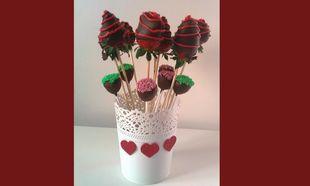 My cakes- My hobby: Φτιάχνουμε σοκολατένιο φραουλομπουκέτο για τον Αγιο Βαλεντίνο!